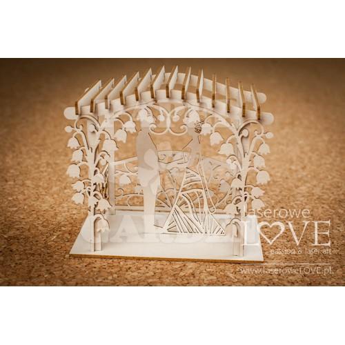FIRST LOVE - Novomanželé v altánu 3D