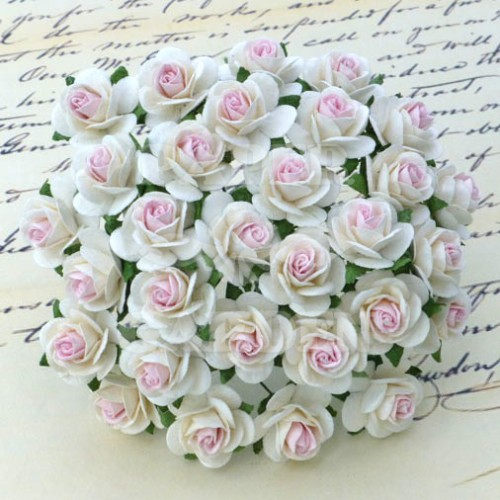 Bílá s růžovým středem (10 mm) - 10 ks